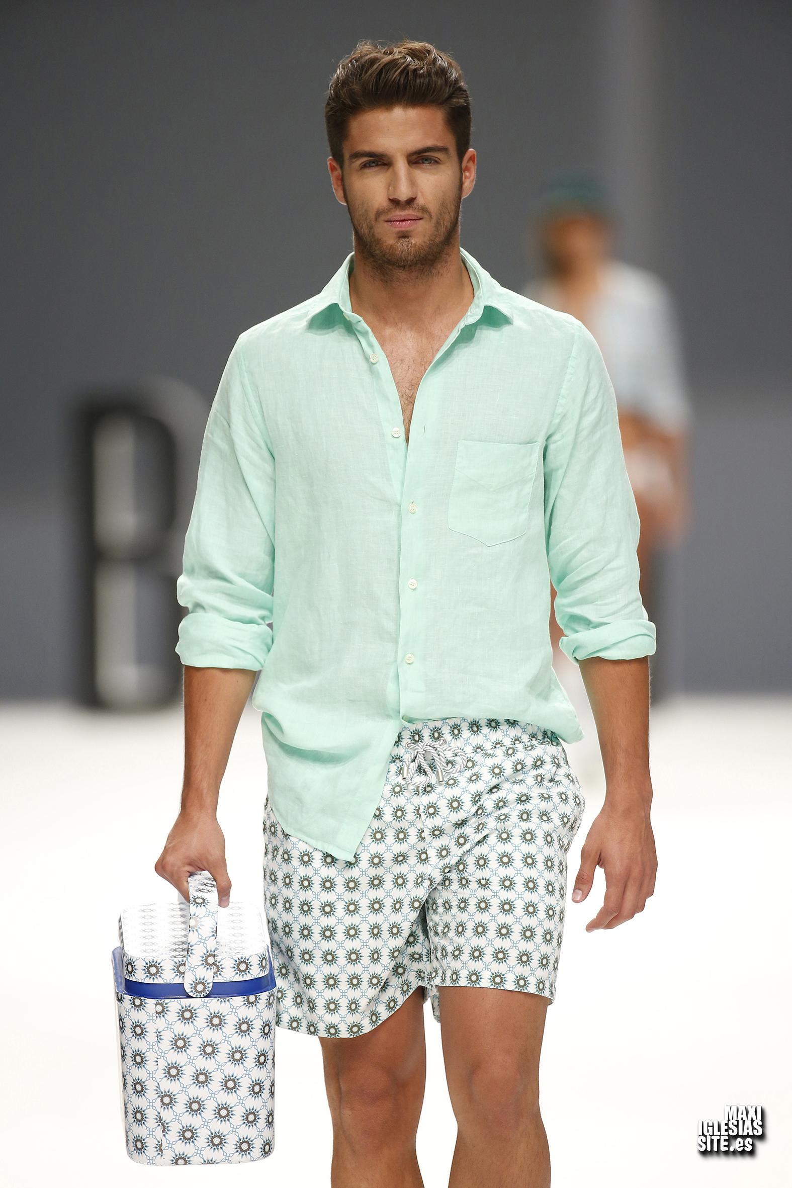 Maxi Iglesias Desfila En La 080 Barcelona Fashion