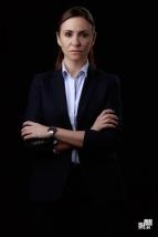 Melanie Olivares es Patricia, agregada comercial de la embajada